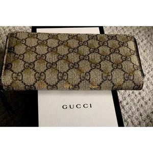 Gucci Bags - Gucci zip around bee wallet new in box
